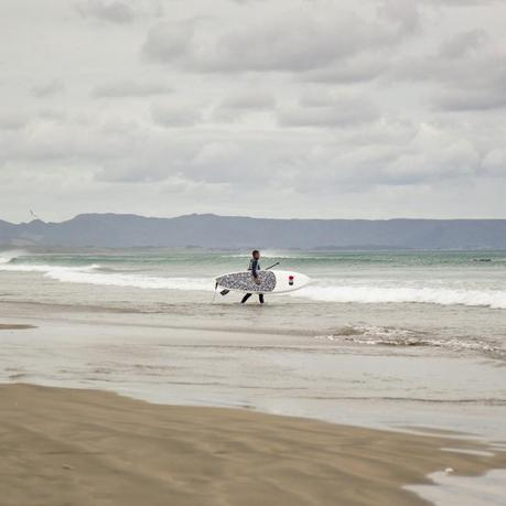 Nz_ninetymile_beach_surfer_img_4599-800x800