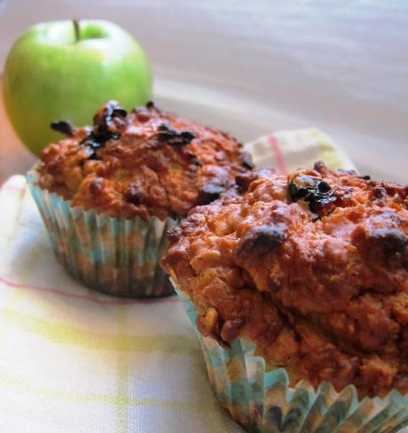 blueberry, apple oat muffins with apple