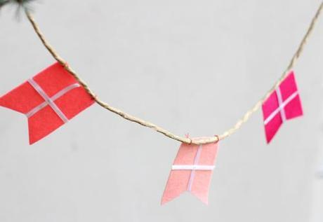 How to make colorful flag garland