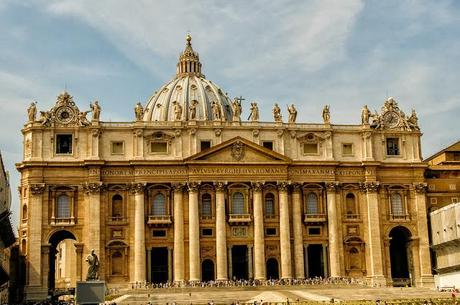 A PICTORIAL VIEW OF THE VATICAN IN ROME