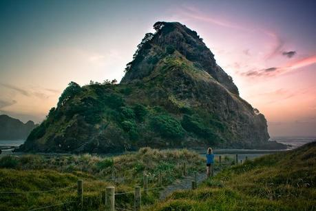 Nz_piha_lion_rock_img_5631