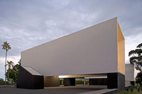 Corpo de Anfiteatros Universidade dos Açores by Inês Lobo