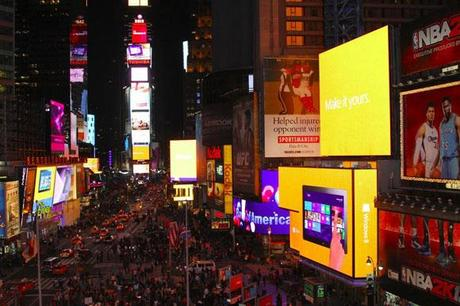 Times-Square-Takeover-windows-8-launch