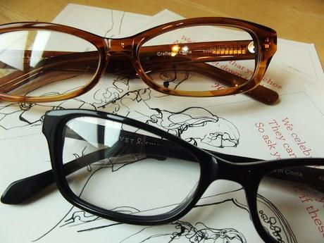 rivet & sway: stylish frames you try on at home!