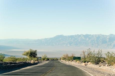 Us_death_valley_road_img_3702_preview