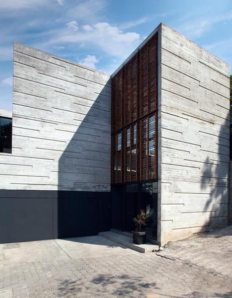 H24 House by R-Zero