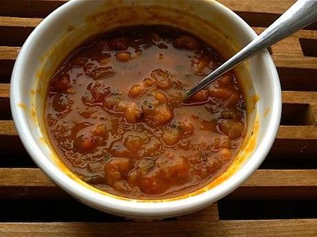 kale white bean soup.JPG