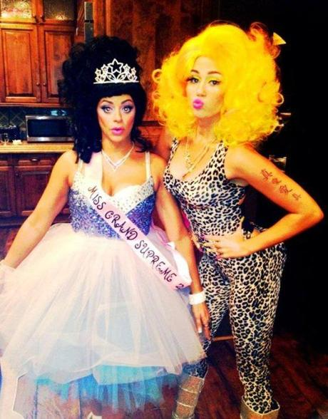 miley cyrus halloween costumes 2012 twitter