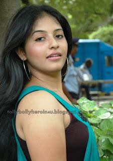 Anjali - Latest Hot Pics in Sleeveless Top