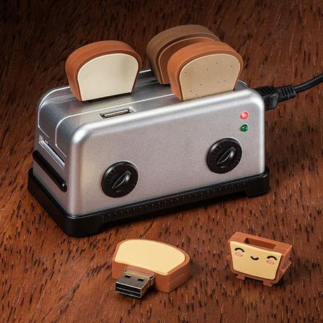 USB Toaster Hub and Toast Thumbdrives