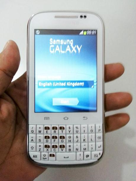 Samsung Galaxy Chat B5330 – Touch and Type Smartphone