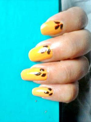 Nails of the Week : Fall Leaves