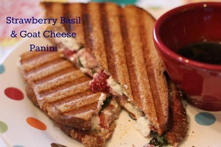 Secret Recipe Club Strawberry Basil and Goat Cheese Panini - Paperblog