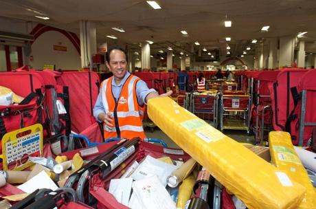 Royal Mails Michael Torres sorting parcels 1024x677 Royal Mail is opening eight dedicated parcel sort centres for the Christmas period
