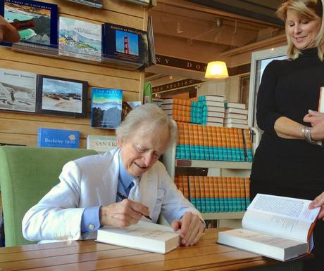 Dapper legend Tom Wolfe swings by Ferry Building store
