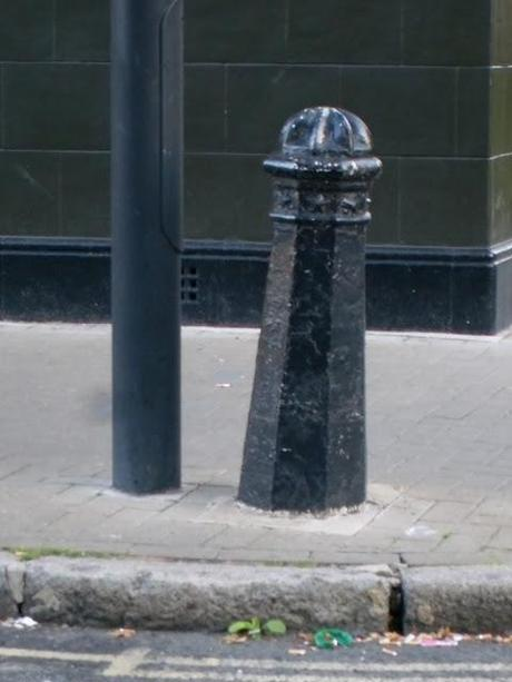 The Leaning Bollard of Lambeth...