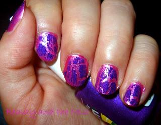 Graffiti nails with Flormar nail polishes