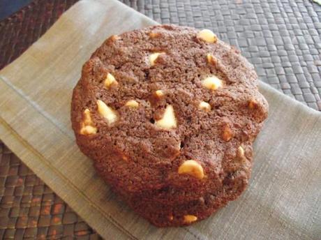 DSCF6612 650x487 Vegan White Chocolate Chip Cookies