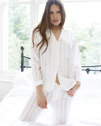 Why Cotton Pyjamas are the better choice for a peaceful night's sleep