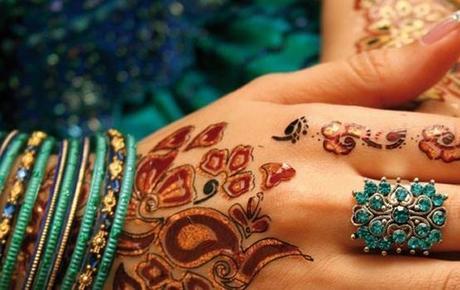 Henna hand red henna