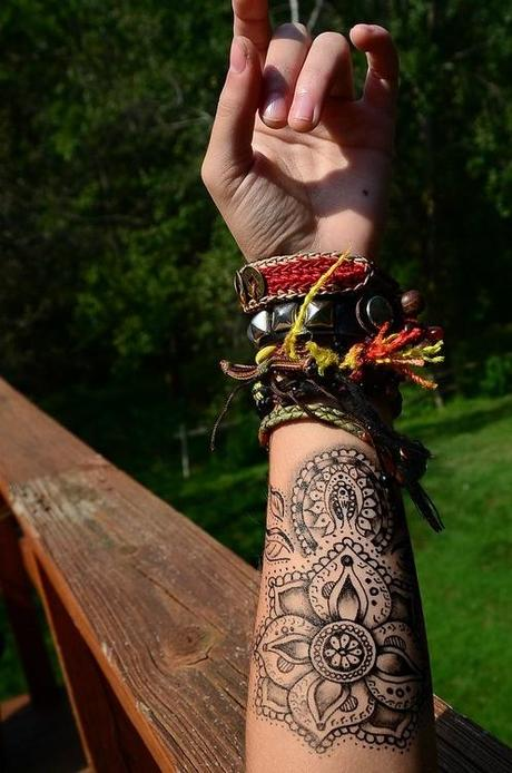 Forearm Henna Flower Beginner Design