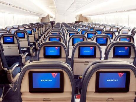 Delta-747-Economy-IFE (1)