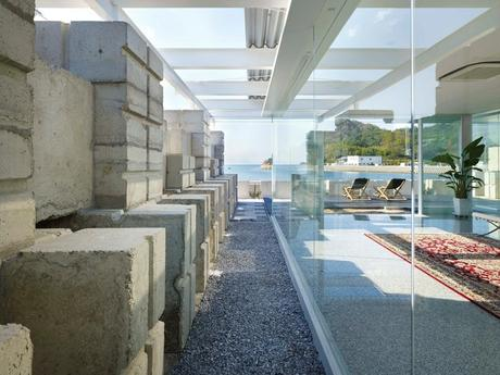 Glass house for diver