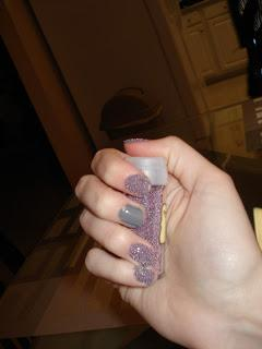 Quick Manicure Using Microbeads