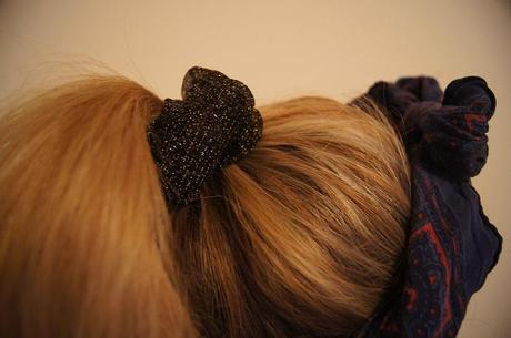 LEATHER HAIR SCRUNCHIE DIY