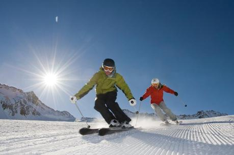5 Ways to Save Money on Your Skiing or Snowboarding Holiday this Winter