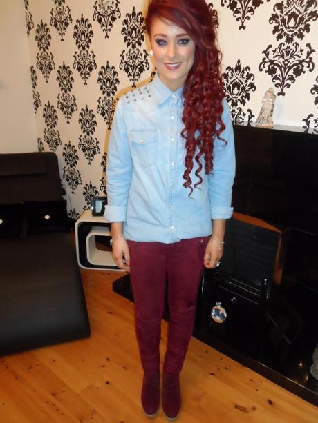 Denim shirt with burgundy suede leggings