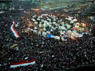 Egypt: Tahrir revolts against massive power grab