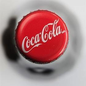 Coca Cola cap DIY Video: FAB Bottle Cap Decor (great gifts!)