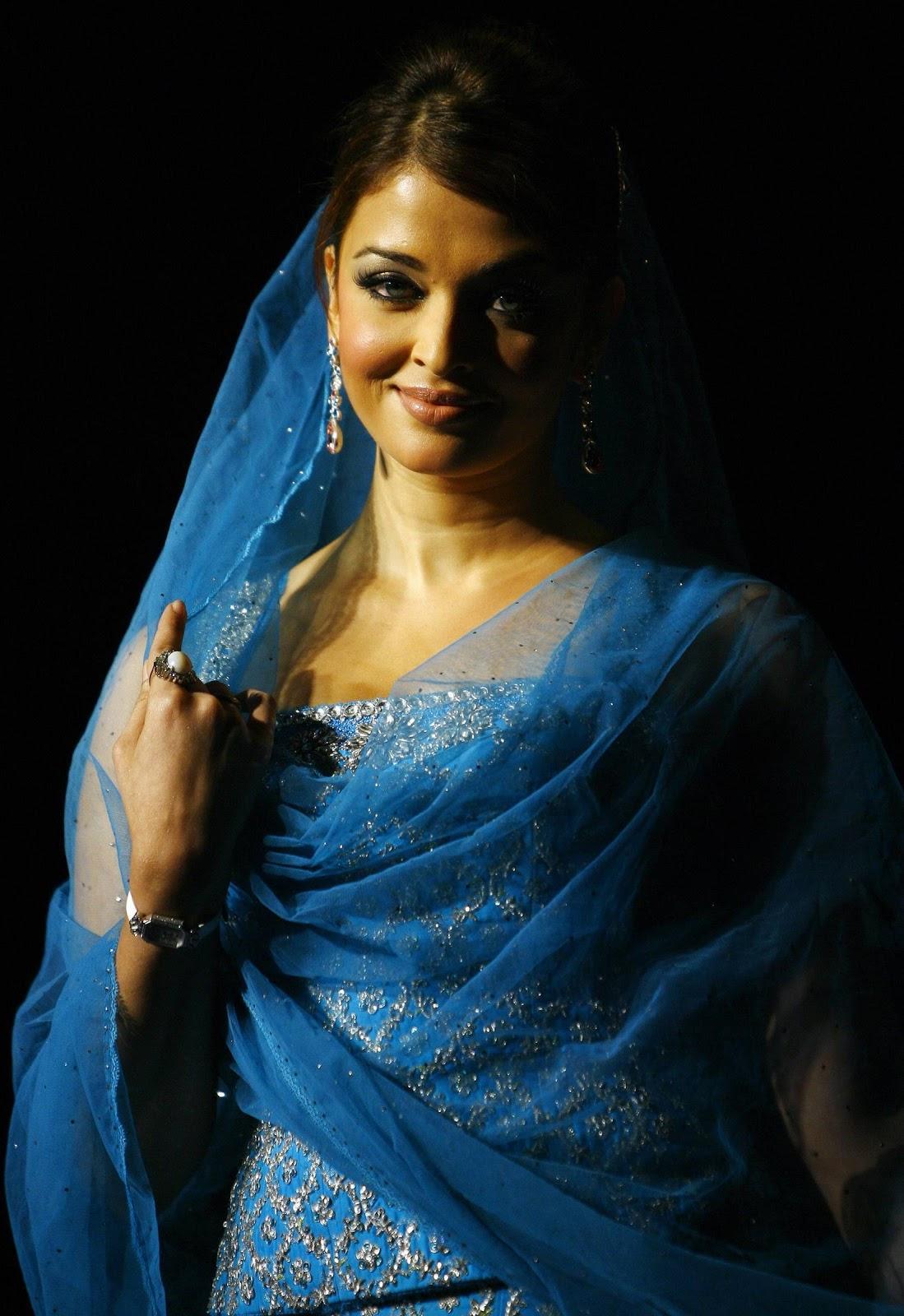Aishwarya Rai - Hot N Sexy Hq Pics - Paperblog-1744