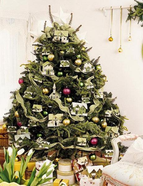 decor christmas tree idea4 Christmas Tree Decorating Ideas HomeSpirations