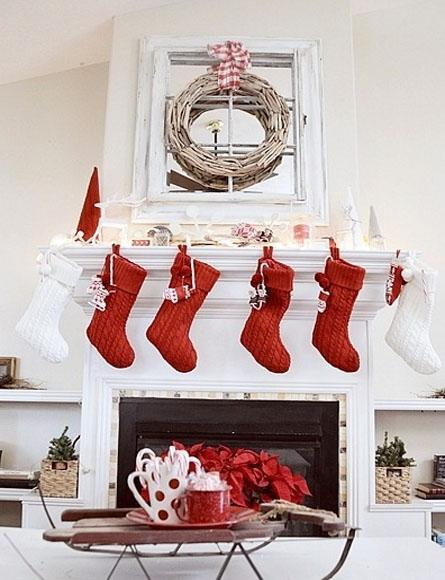 decor red and white christmas3 Decorate for Christmas with Red and White HomeSpirations