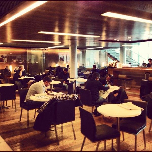 Paris charles de gaulle terminal 2e hall k business for Salon air france terminal 2e