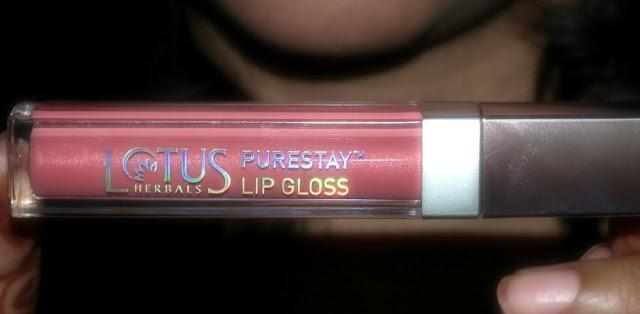 Lotus Herbals Purestay Lip Gloss in Peach Pink