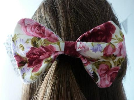 *D.I.Y Guest post : Trends With Benefits Hair bow*