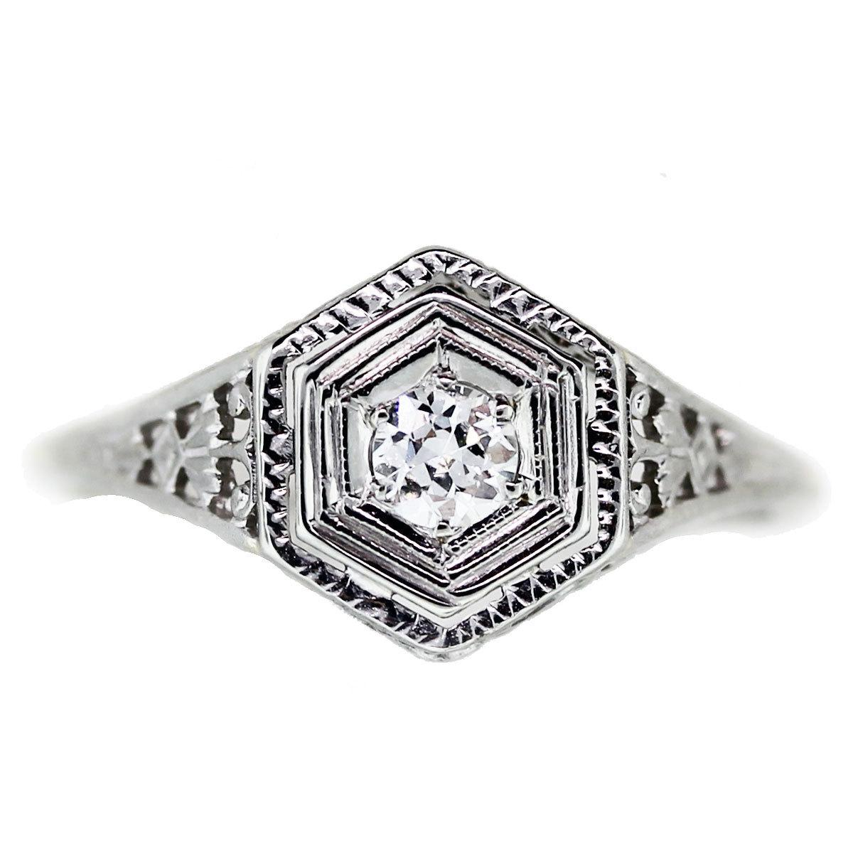 Engagement Ring Eye Candy: Engagement Rings Under 1000 Dollars