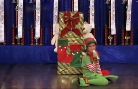 Toddlers & Tiaras: Frosted Tips And Whitestrips. It's Beginning To Look A Lot Like Christmas At The Universal Royalty Pageant. Who's Yer Daddy?