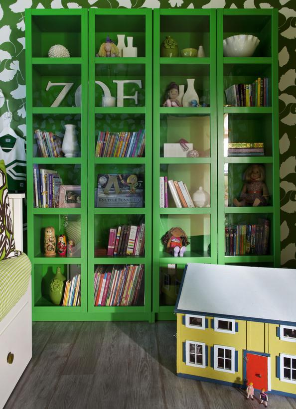 Original Brian Patrick Flynn girls green bedroom bookcase s3x4 lg How to Use Emerald in Your Childs Room (Pantone 2013 Color of the Year!)