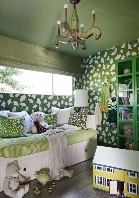 HGTV playroom c How to Use Emerald in Your Childs Room (Pantone 2013 Color of the Year!)