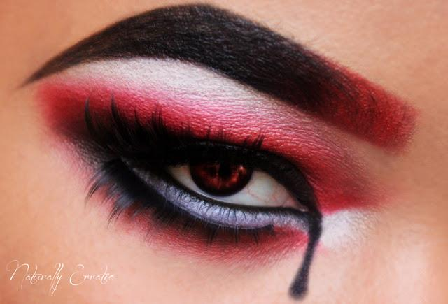 Deadly Sight/Happy Halloween!!!!  Paperblog - Easy Halloween Eye Makeup