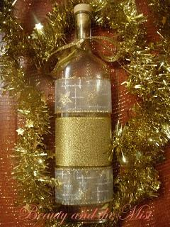 DIY:Decorate Christmas bottles, jars or boxes