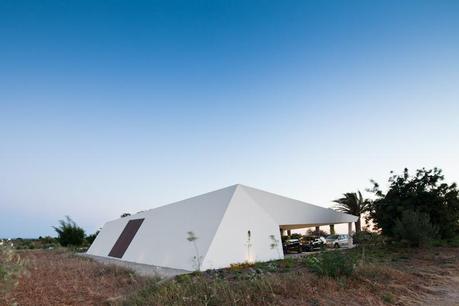 House in Tavira by Vitor Vilhena Architects 4
