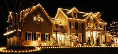 Exterior illuminations that s christmas lights to you for Beautiful homes decorated for christmas
