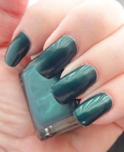 colormemonthly green nails3