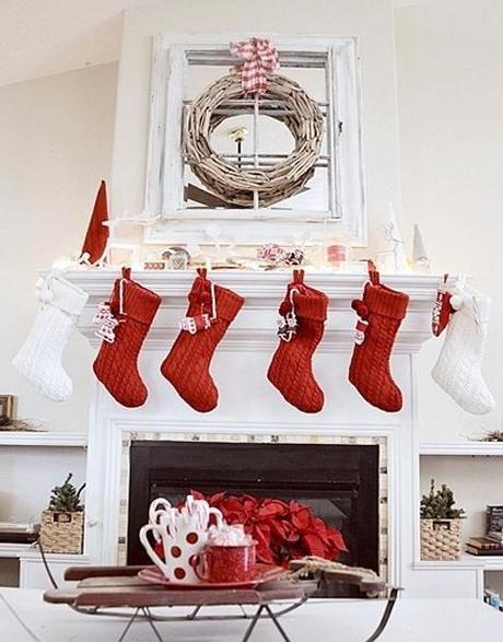 decor christmas mantel1 Twas the Night Before Christmas HomeSpirations