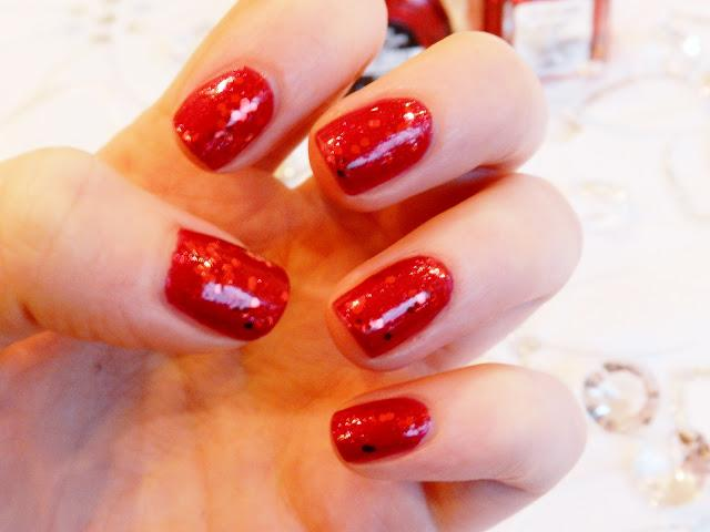 Christmas NOTD - Red & Sparkly ♥
